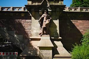Simon von Utrecht-Denkmal an der Kersten-Miles-Brücke