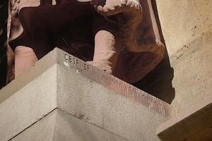 Sockel des Kersten Miles-Denkmals