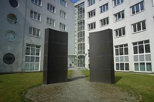 Zwei Metallpforten im Gedenken an die Exulanten aus Berchtesgaden