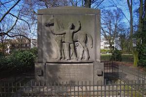 Husarendenkmal zu Ehren der Gefallenen des 15. Regiments