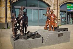 Denkmal Kindertransport - Der letzte Abschied