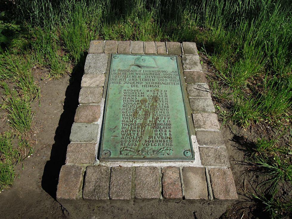 Kupferplatte die an Gefallene aus Övelgönne erinnert