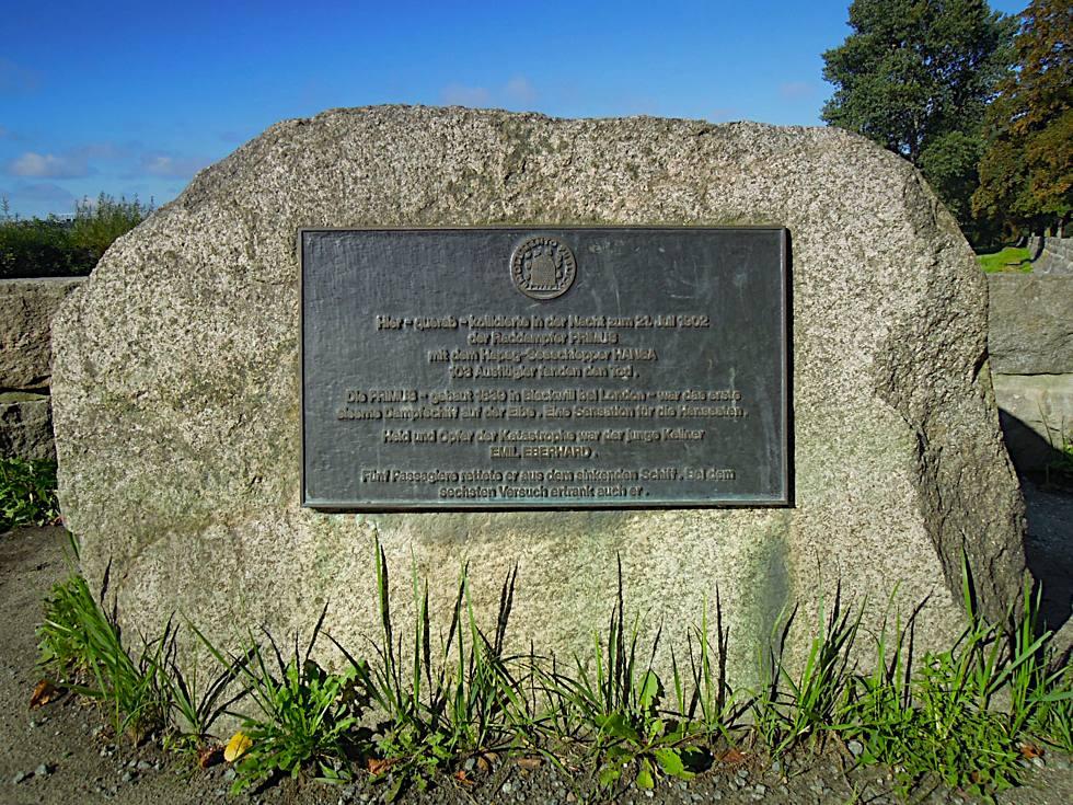 Gedenkstein mit Tafel - in Erinnerung an das Primus-Unglück 1902